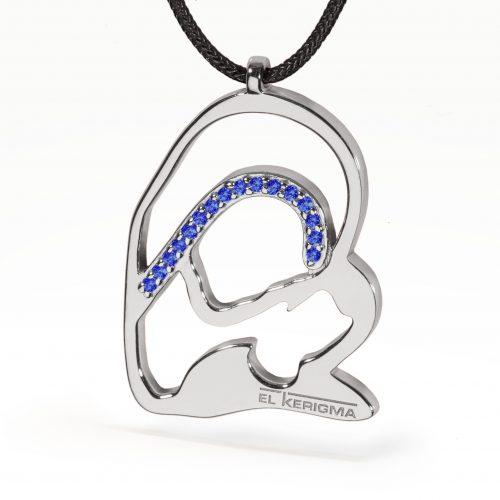 medalla virgen camino neocatecumenal elkerigma plata circonitas azules cordon negro